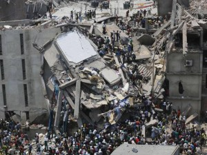 Обрушение здания завода по производству одежды в Бангладеш в 2013 г.