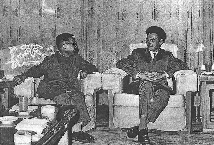 Готфред Аппель на встрече с представителем китайской компартии. Пекин, 1964 г.