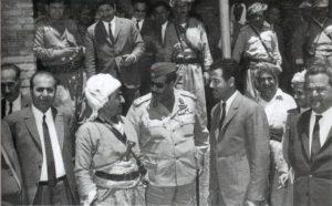Встреча Саддама Хуссейна и Мустафы Барзани 10 марта 1970 г., перед подписанием соглашения об иракско-курдской автономии.