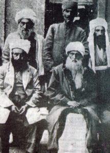 Передний ряд, слева направо: Шейх Шериф, Шейх Саид, задний ряд: Шейх Хамид, Касим Атач, Шейх Абдуллах.